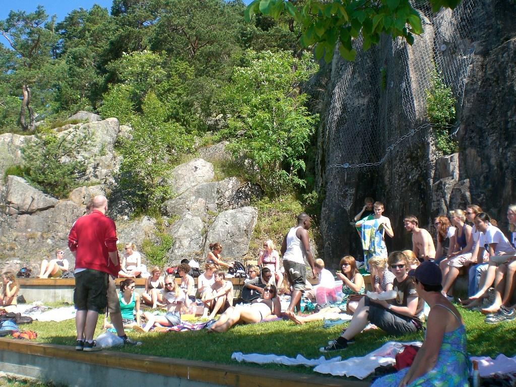 Kesällä 2008 joukko vapaaehtoisia vieraili SommerSNU-leirillä Norjassa.