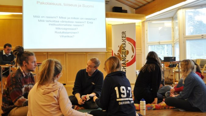 Pakolaisteemainen koulutus ja ryhmäkeskustelua syksyn 2016 Changemaker-viikonlopussa