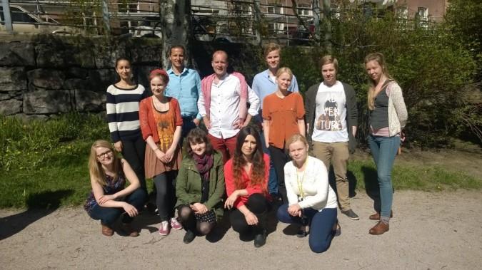 Changemaker Akatemian osallistujat ryhmäkuvassa.