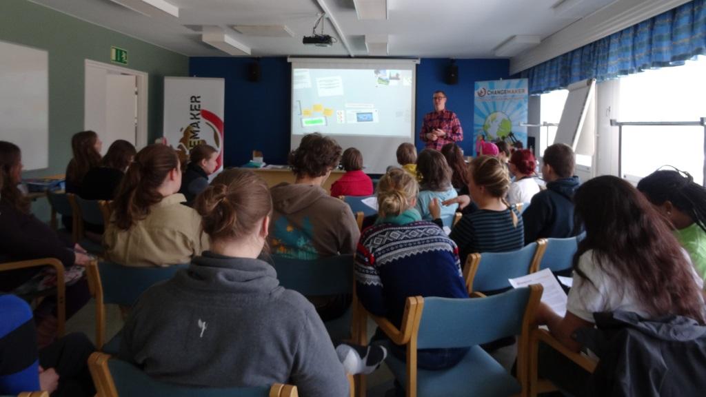 Niklas Kaskeala kertoo Veroparatiisimatkat-kampanjasta ja maakohtaisesta raportoinnista.