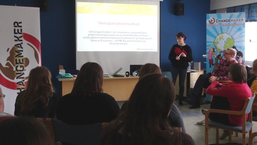 Kampanjavastaava Riikka Piri esittelee Changemakerin vuoden pääkampanjaa.