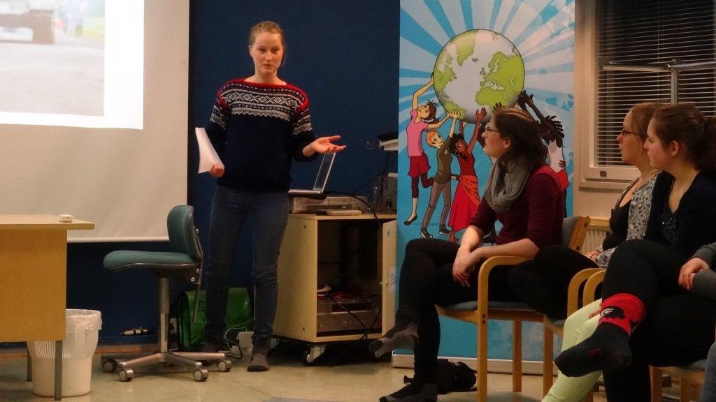 Norjan Changemakerin aktiivi Tuva kertoo norjalaisten rauha-aiheisesta kampanjatyöstä.