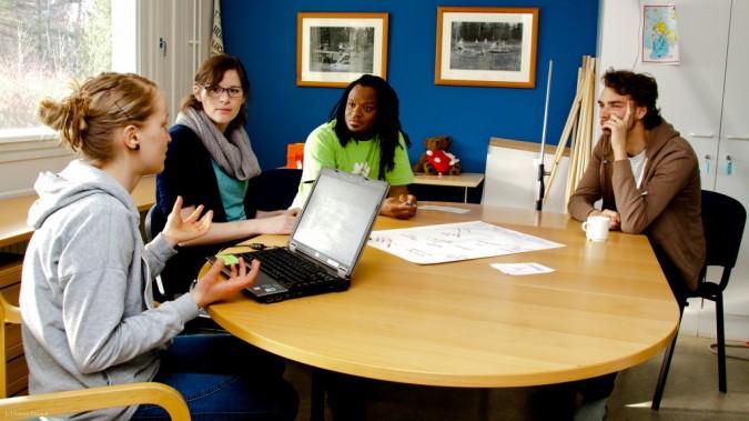 Ryhmätyöskentelyä Changemaker-viikonlopussa.