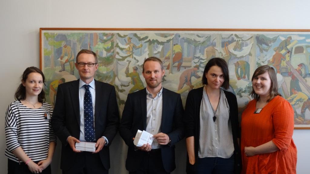 Vuonna 2014 Changemakerin edustajat kävivät keskustelemassa muun muassa Stora Enson kanssa maakohtaisesta veroraportoinnista.