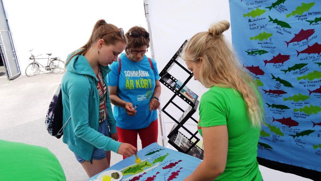 Kadonneet eväät -kampanja sai innostuneen vastaanoton Vantaan herättäjäjuhlilla.