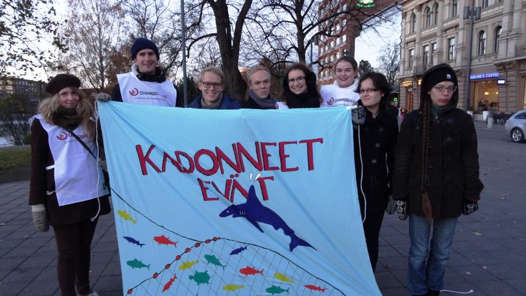 Jäsenkokouspäivän kampanjatempaus Hämeenkadulla.