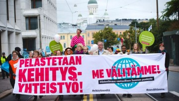 Mielenosoitus kehitysyhteistyövarojen leikkausta vastaan