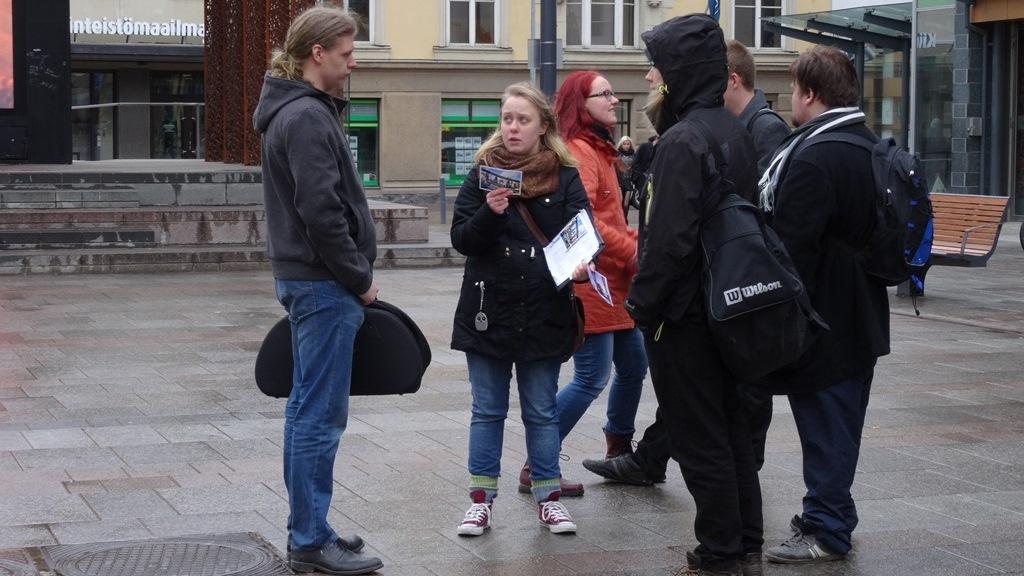 Changemakerin kampanjatempaus Oulussa 13.4.2014.