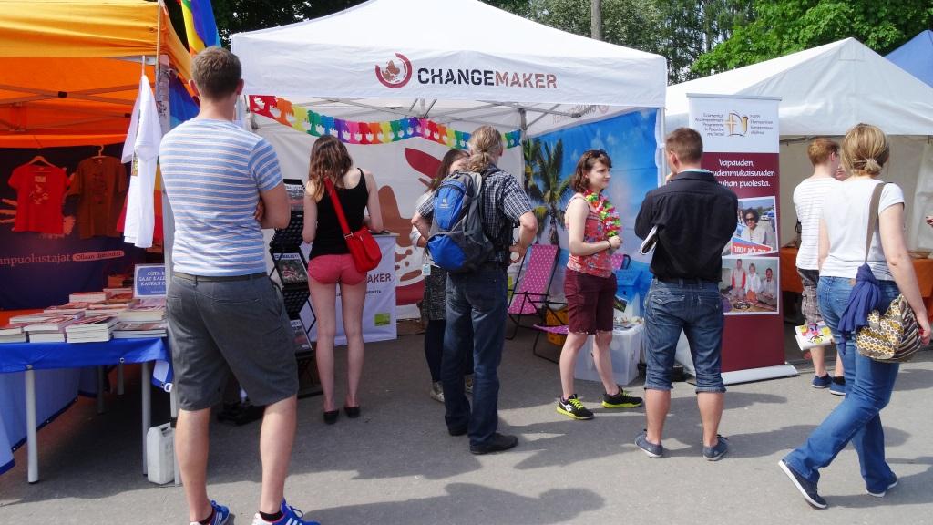 Changemakerin kesäkiertue Maailma kylässä -festivaalilla.