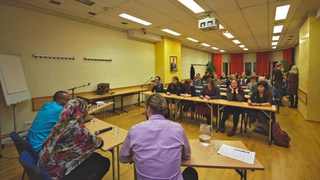 Changemaker Akatemian suunnittelemassa paneelikeskustelussa aiheena oli väkivaltainen radikalisaatio Suomessa.