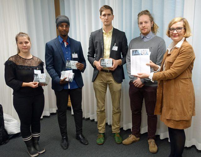 Changemakerin vapaaehtoiset ja Paula Risikko