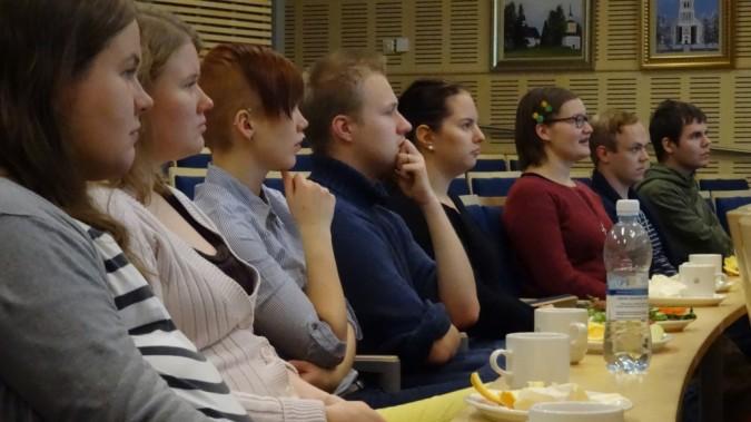 Changemakerin jäseniä verkoston jäsenkokouksessa lokakuussa 2014