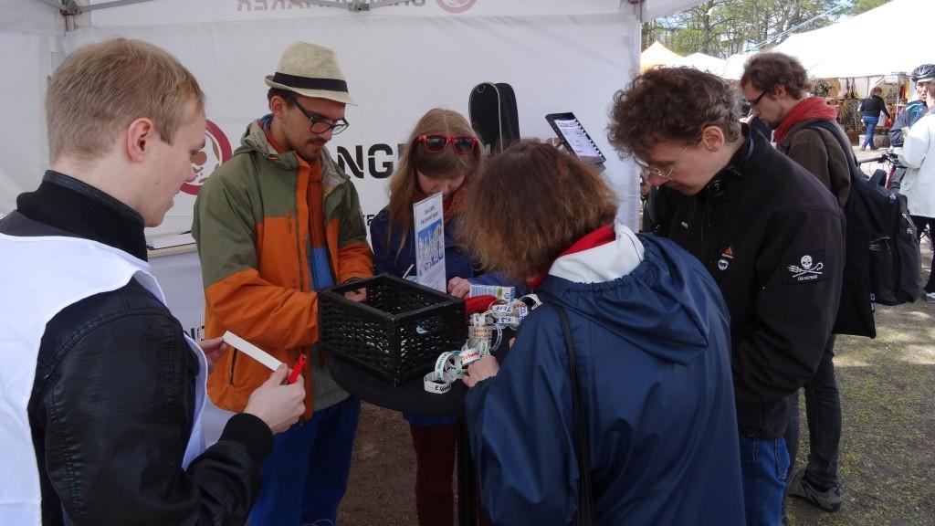 Changemakerin teltalla syntyi paljon ajatuksia rauhasta Maailma kylässä-festivaalilla.
