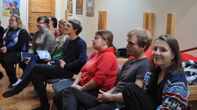 Maailmanmuuttajia Changemaker-viikonlopussa Vihdissä syksyllä 2012