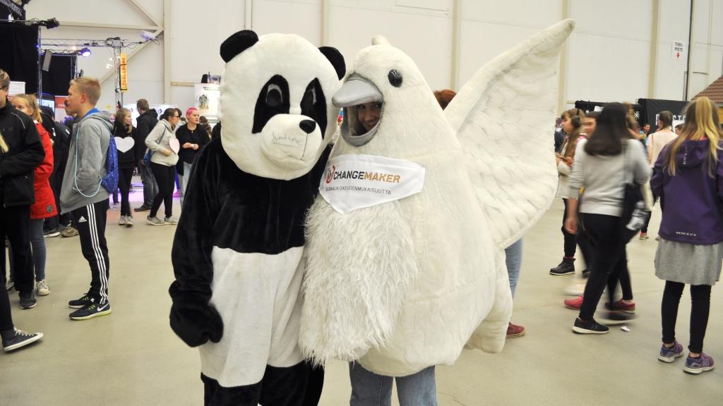 Rauhankyyhky ja panda
