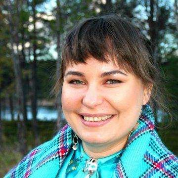 Neeta Jääskö kielen ja kulttuurin puolella