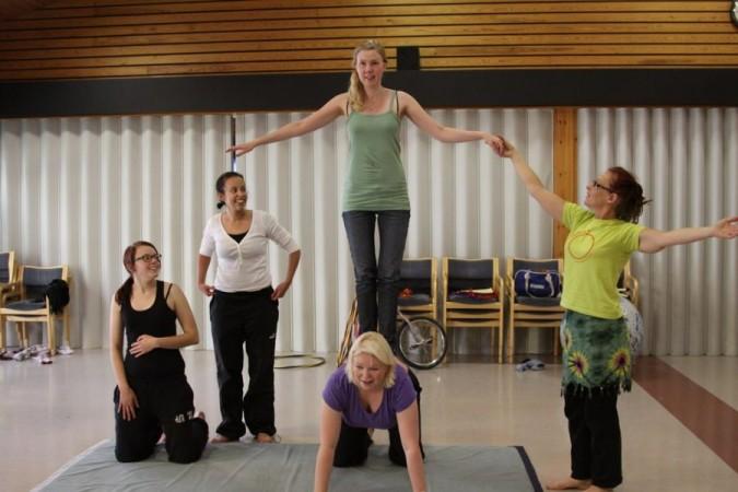 Sirkustelua Changemaker-viikonlopussa syksyllä 2011