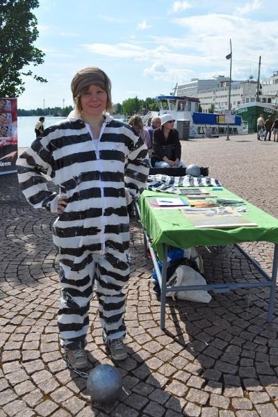 Velan vangit -kampanjan kesäkiertueella